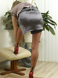 Skirt Porn Pictures