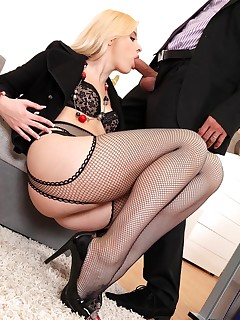Fishnet Stockings Porn Pictures